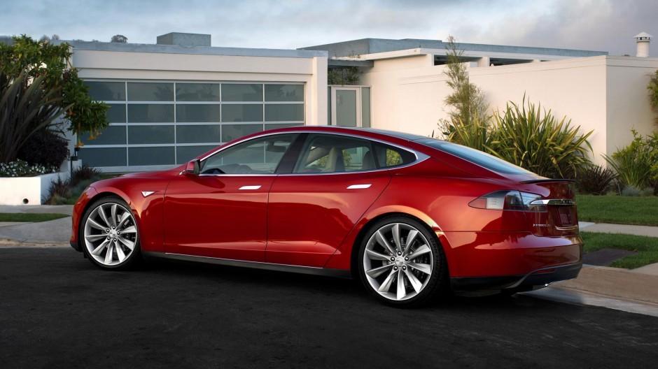 Tesla News SolarCity Low Rating Buying Experience autopilot video