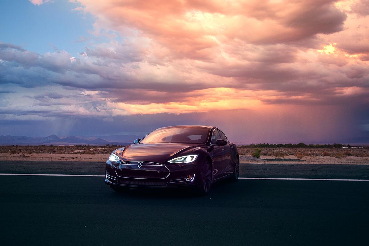 Compare EVs Tesla 2015 Model S P85D